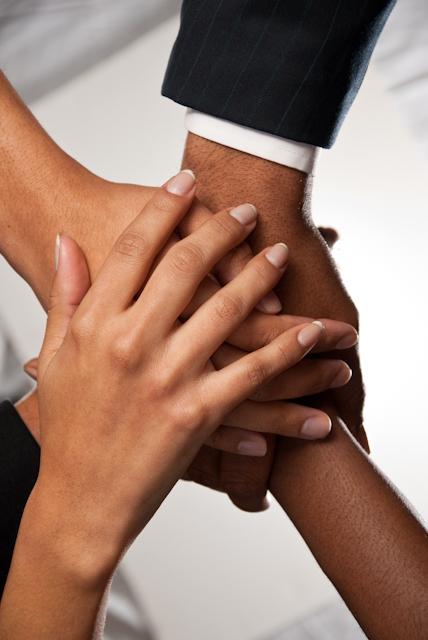 001-hands